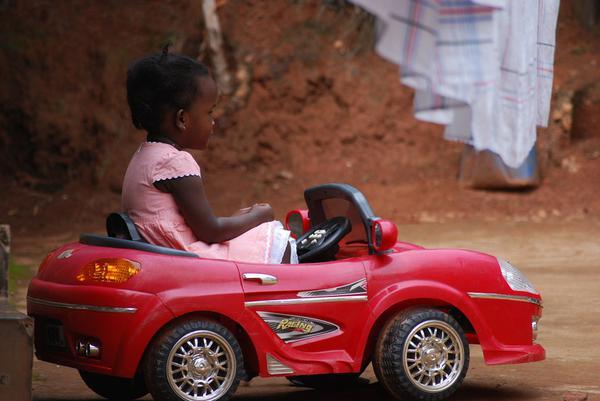 najlepsze auto elektryczne dla dzieci